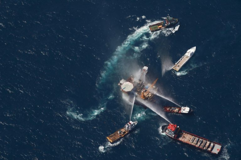 Νέα πετρελαιοκηλίδα απειλεί το Μεξικό; | Newsit.gr