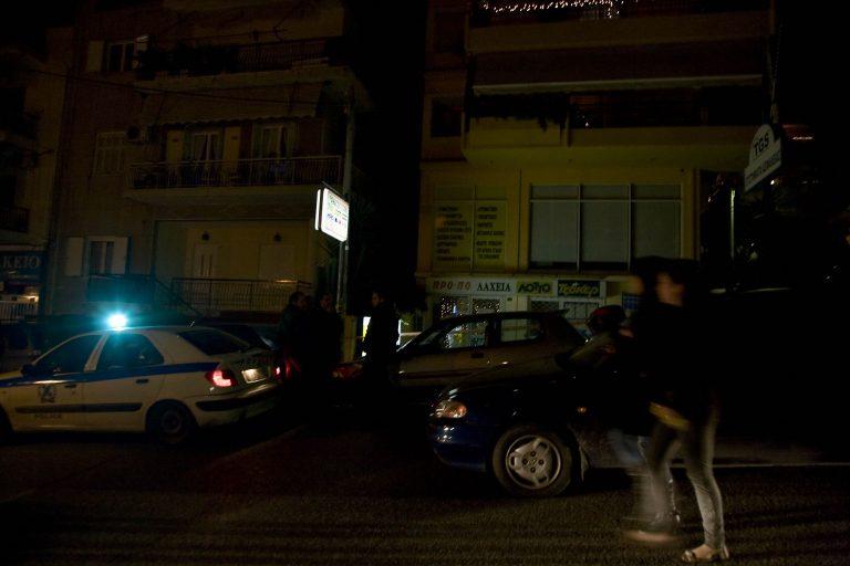 Πυροβόλησαν μέσα στο mini market   Newsit.gr