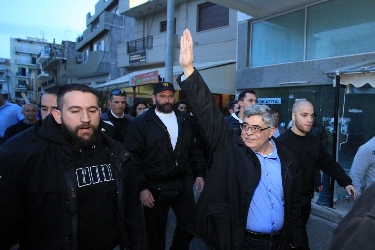 Σκληροί χαρακτηρισμοί μεταξύ ΠΑΣΟΚ – Χρυσής Αυγής για την επίθεση στο Mega | Newsit.gr