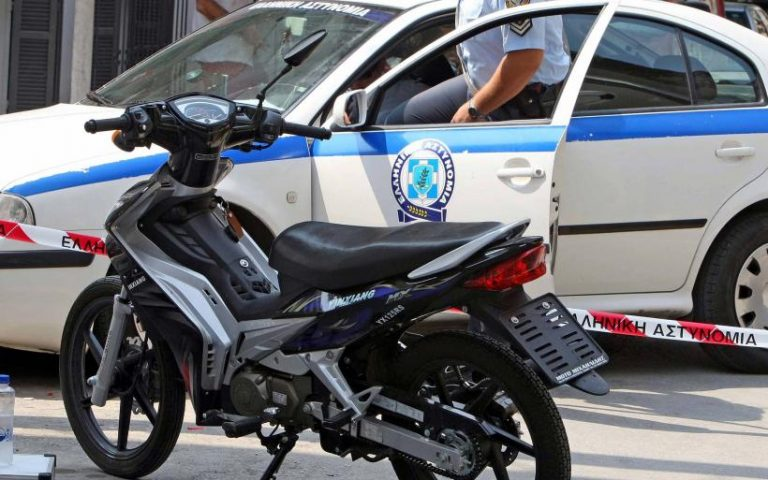 Εύβοια: 17χρονος πήγε να κλέψει μηχανάκι από είσοδο πολυκατοικίας | Newsit.gr
