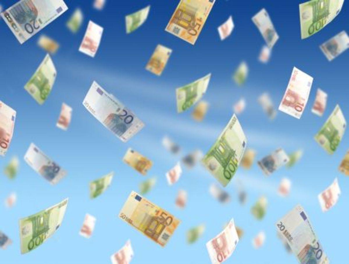 Τώρα μας κυνηγάνε να μας δώσουνε λεφτά | Newsit.gr