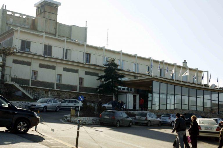 Κατεδαφίζεται το ιστορικό Μον Παρνές   Newsit.gr