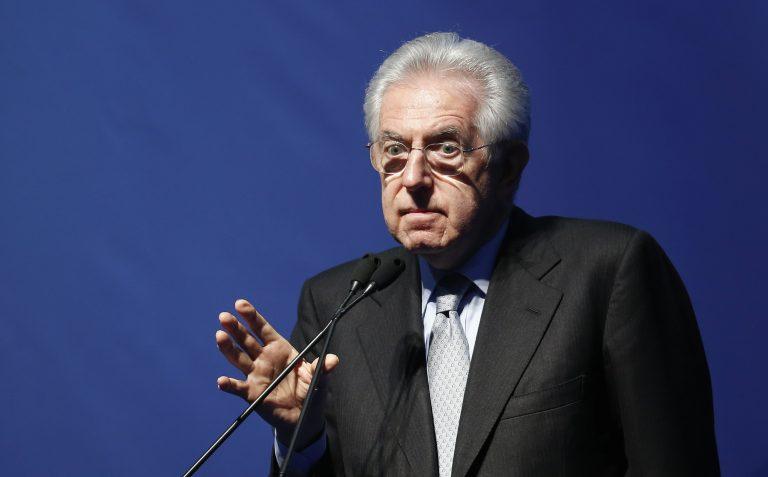 Ο Μόντι καλεί σε ντιμπέιτ Μπερλουσκόνι και Μπερσάνι | Newsit.gr