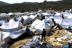 Μυτιλήνη: Συμβολική κατάληψη δρόμου από πρόσφυγες της Μόριας