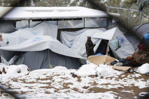 Λέσβος: Οι ξενοδόχοι αρνούνται να φιλοξενήσουν τους ξεπαγιασμένους πρόσφυγες