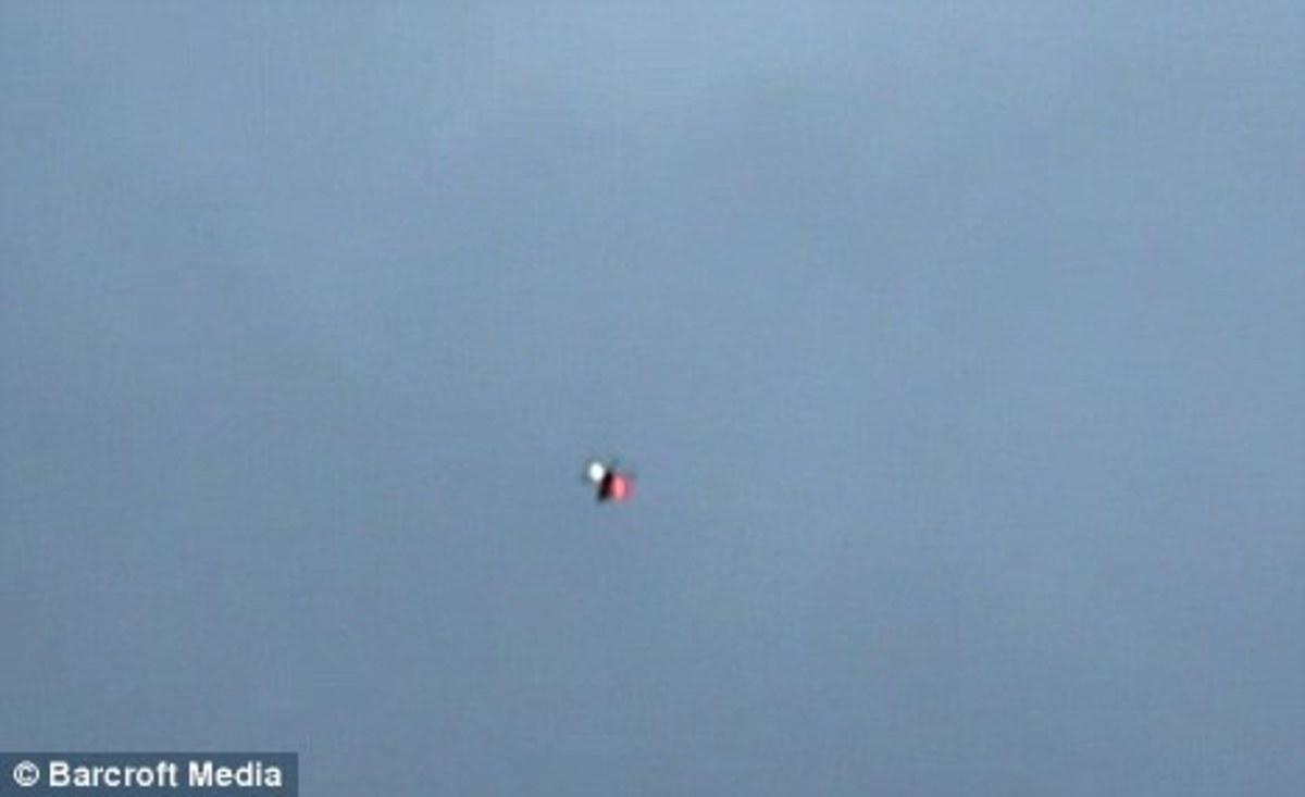 UFO σε κεντρική πλατεία της Μόσχας; ΒΙΝΤΕΟ | Newsit.gr