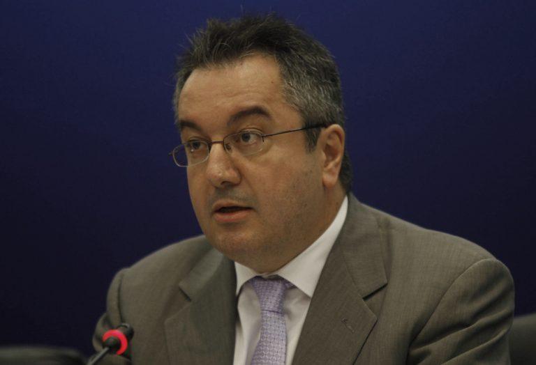 Η. Μόσιαλος: τώρα ανακαλύπτουν υπονόμευση του Γ. Παπανδρέου | Newsit.gr