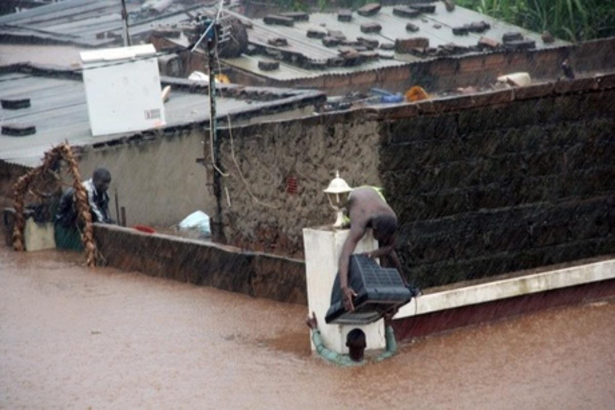 Τους 36 έφτασαν οι νεκροί από τις πλημμύρες στη Μοζαμβίκη | Newsit.gr