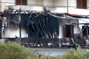 """Η ΕΠΟ """"ξηλώνεται"""" για το καμένο σπίτι του Μπίκα"""