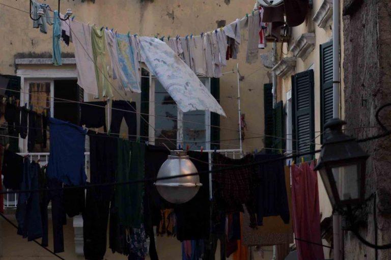 Αχαΐα: 60χρονος έκλεβε τα εσώρουχα της γειτόνισσάς του! | Newsit.gr