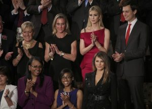 Ζήλεια μου! Φονικά βλέμματα Ιβάνκα στην απαστράπτουσα Μελάνια Τραμπ! [pics, vid]
