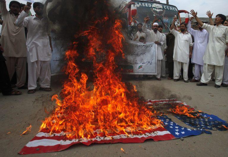 Συνεχίζονται οι διαδηλώσεις των μουσουλμάνων για την αμερικανική ταινία | Newsit.gr