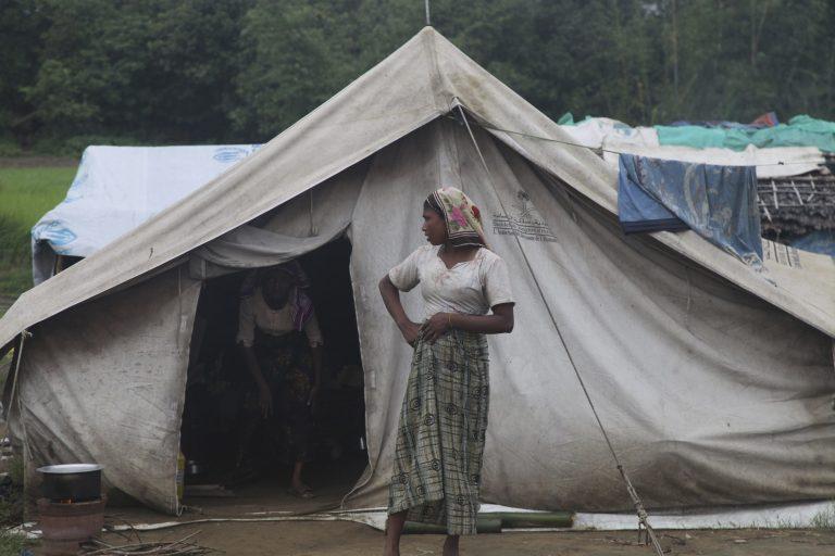 Έκρηξη βίας στη Μιανμάρ   Newsit.gr