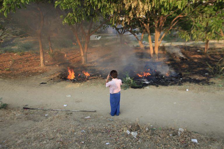 Δεκάδες νεκροί από πυρκαγιά σε καταυλισμό προσφύγων   Newsit.gr