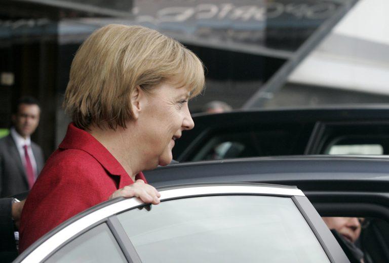 Με… λεωφορείο η Μέρκελ από Ιταλία στη Γερμανία | Newsit.gr