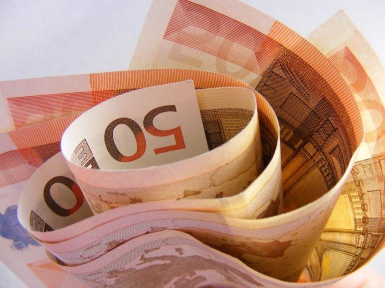 Η κρίση ευνοεί μόνο το Δημόσιο… οι ιδιώτες θα πληρώνουν κανονικά! | Newsit.gr