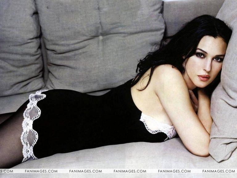 Έγκυος η Μόνικα Μπελούτσι! | Newsit.gr