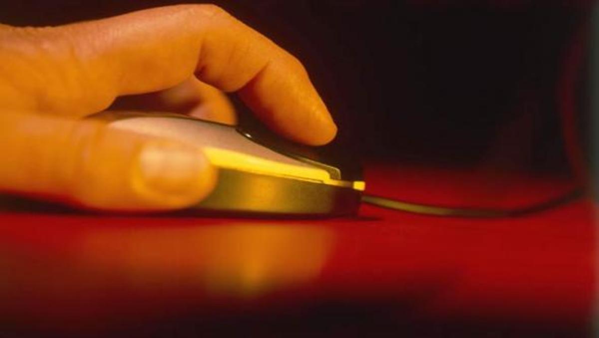 Πόσες θερμίδες καίμε με κάθε κλικ στο ποντίκι; | Newsit.gr