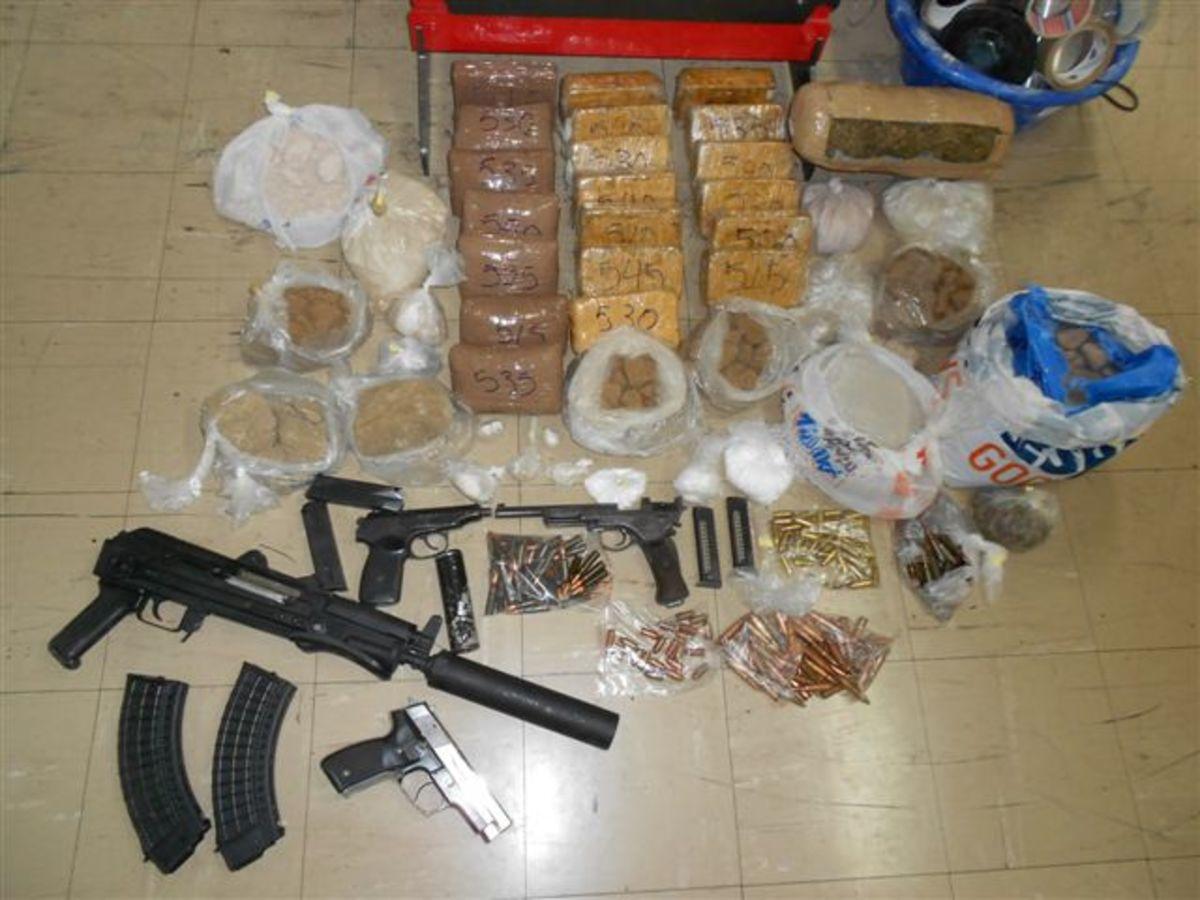 Έπιασαν μεγαλέμπορο ναρκωτικών στη Ν. Σμύρνη | Newsit.gr