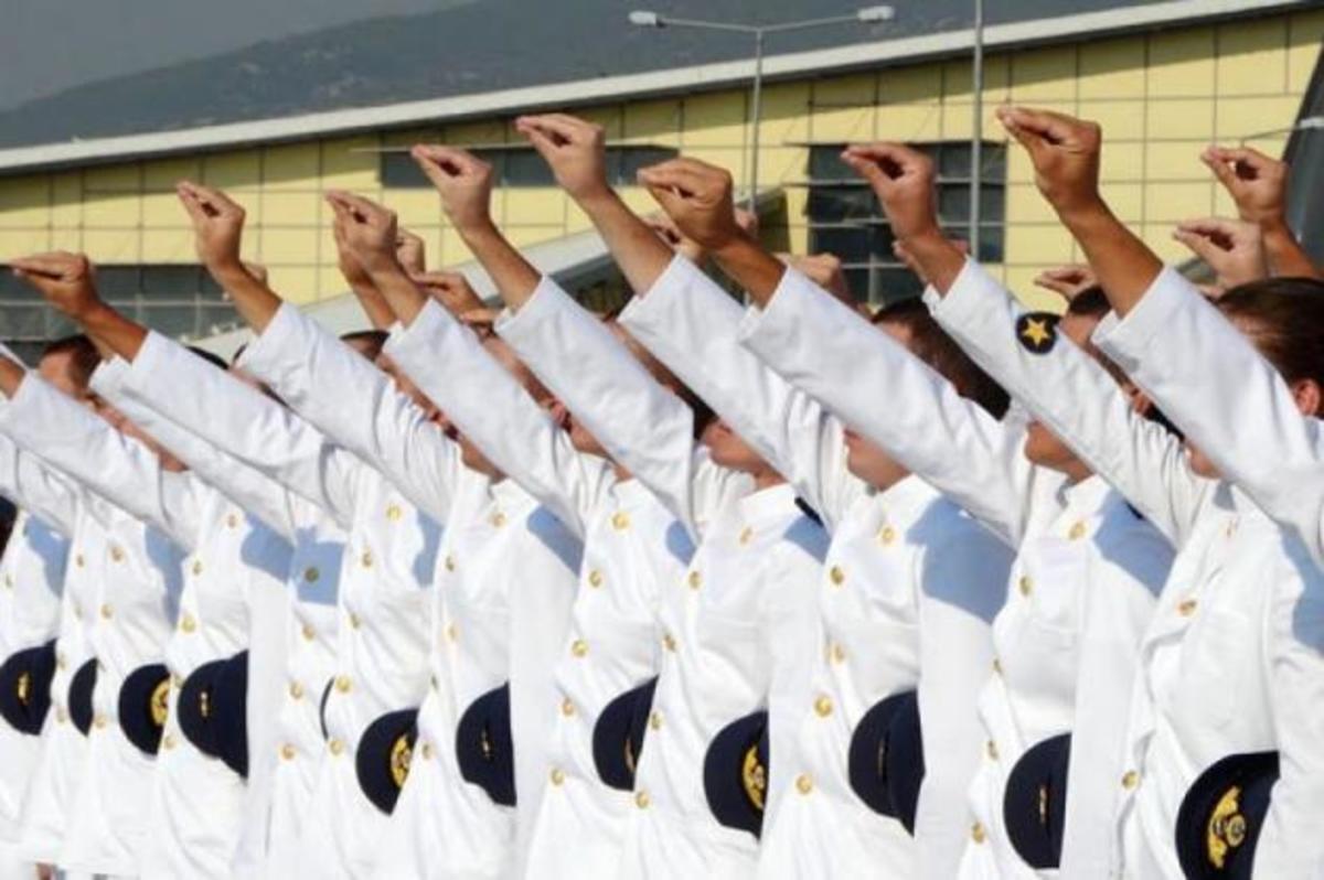 «Τώρα πια απαιτούμε»! Ένας ανθυπολοχαγός γράφει για τα «θέλω και τα πρέπει» των στρατιωτικών | Newsit.gr