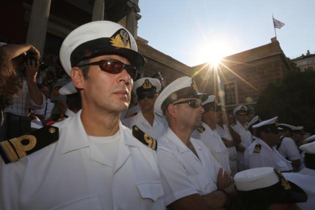 Επίκειται…πόλεμος. Με στολή οι εν ενεργεία στρατιωτικοί στη συγκέντρωση του Σαββάτου   Newsit.gr