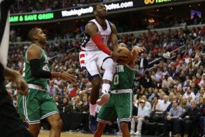NBA: Εύκολα οι Γουόριορς – Επεισοδιακά οι Γουίζαρντς [vids]