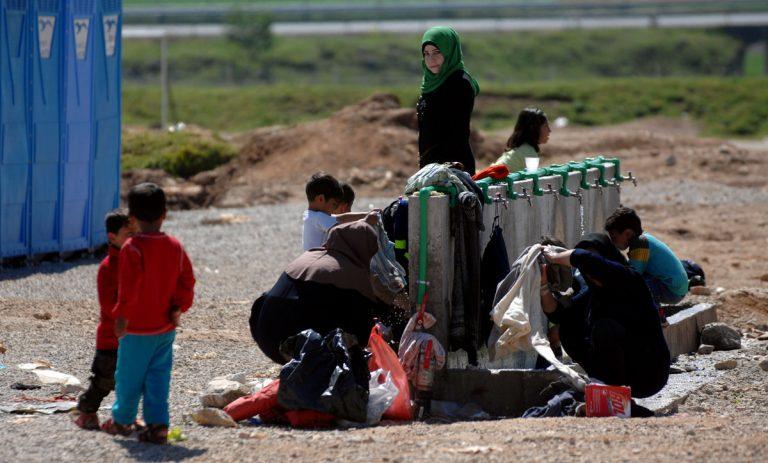 Γιατροί χωρίς Σύνορα: Χωρίς θέρμανση και ζεστό νερό χιλιάδες πρόσφυγες στα νησιά | Newsit.gr