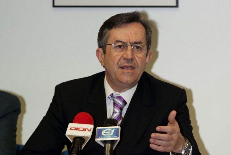 Πέταξαν αυγά και κέρματα σε Βουλευτή της ΝΔ – ΒΙΝΤΕΟ | Newsit.gr
