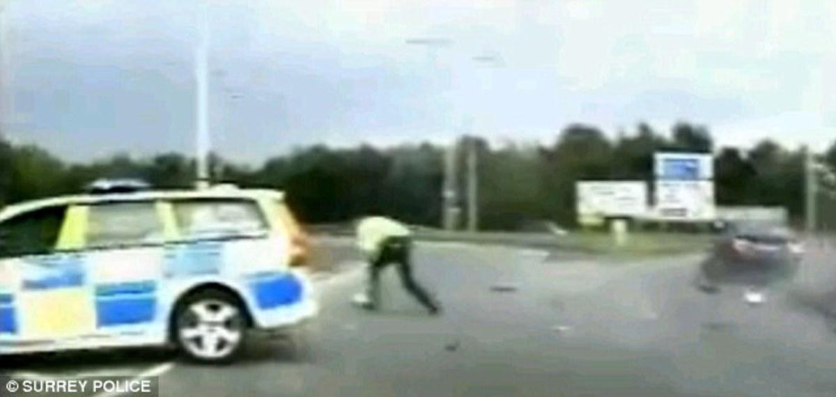 Κλέφτης αυτοκινήτων »απογείωσε» αστυνομικό – Συγκλονιστικό video | Newsit.gr