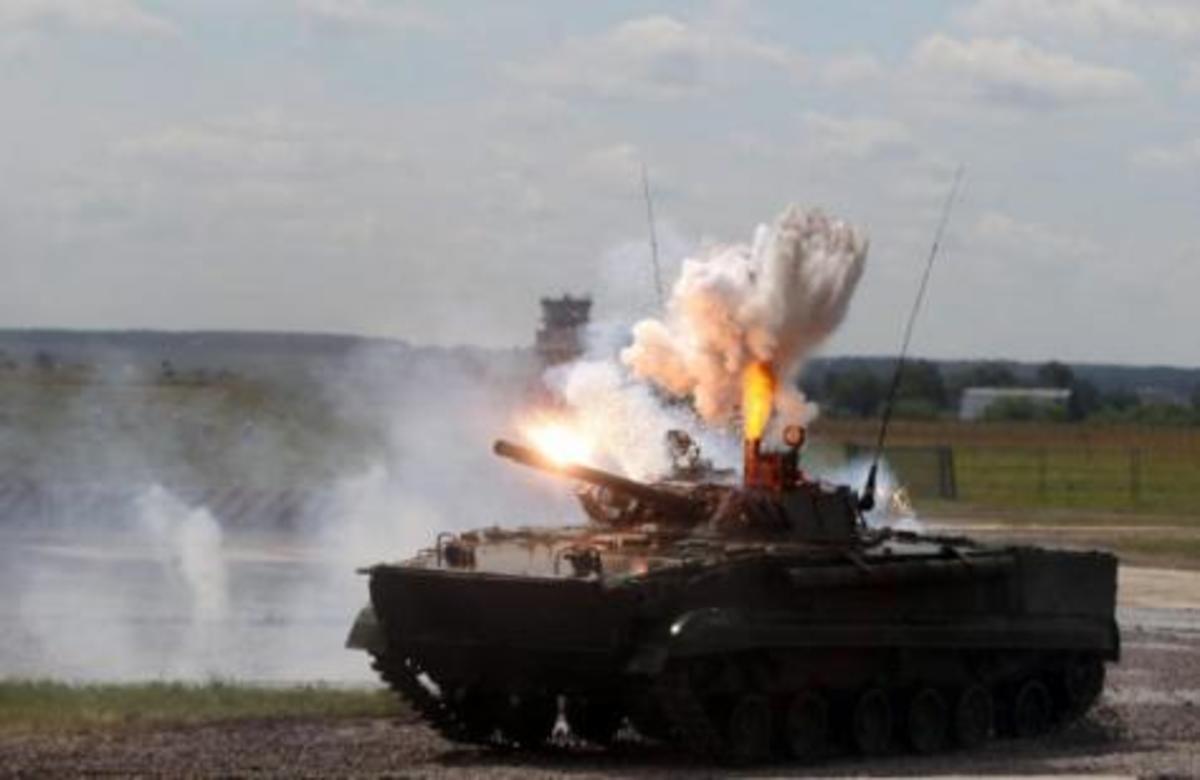 Άρματα μάχης και πεζοναύτες αποβίβασαν οι Ρώσοι στη Συρία | Newsit.gr