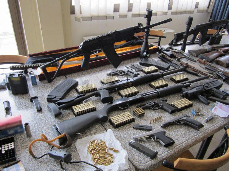 Κουράστηκαν να μετρούν όπλα στην Πάτρα! (ΦΩΤΟ και VIDEO)   Newsit.gr
