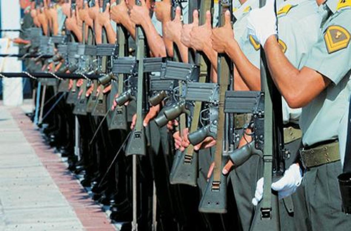Επικίνδυνοι! Ποιοι θέλουν να «χρεώσουν» στο ΣΥΡΙΖΑ απόψεις περί «Επαναστατικού Στρατού» – Βίντεο | Newsit.gr