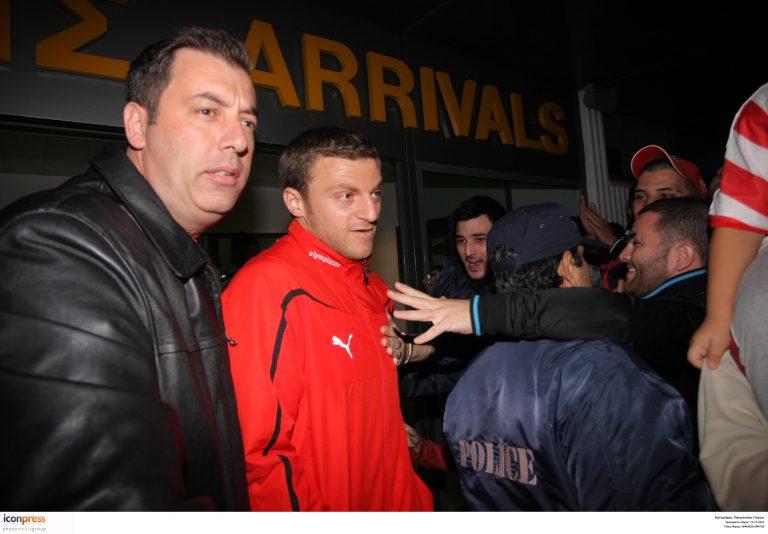 Αποθεώθηκαν οι παίκτες του Ολυμπιακού και οι…νέοι στην Κρήτη   Newsit.gr