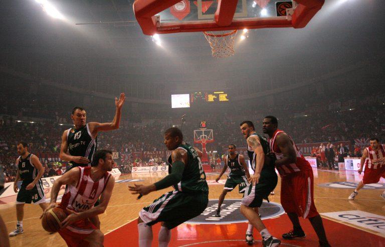 Γκρινιάζουν Παναθηναϊκός και Ολυμπιακός για τη διαιτησία | Newsit.gr