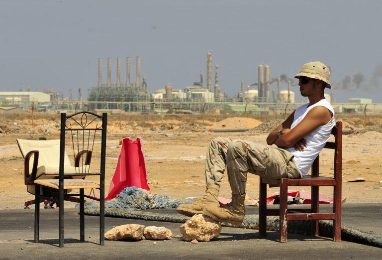 Στον έλεγχο των ανταρτών τα πετρέλαια της Λιβύης   Newsit.gr