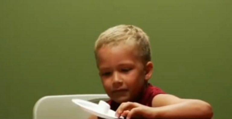 Μπορεί ένα παιδί να αντισταθεί στα γλυκά; – Δείτε τις αντιδράσεις τους σε βίντεο! | Newsit.gr