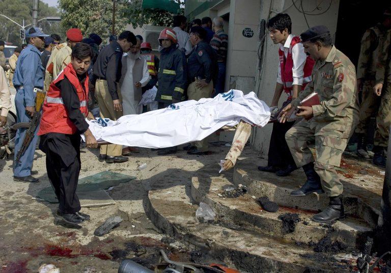 Πακιστάν: 3 νεκροί από έκρηξη βόμβας   Newsit.gr