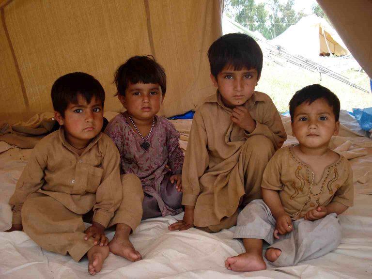 Χιλιάδες παιδιά εκτεθειμένα στην πολιομυελίτιδα μετά την απαγόρευση του εμβολιασμού | Newsit.gr