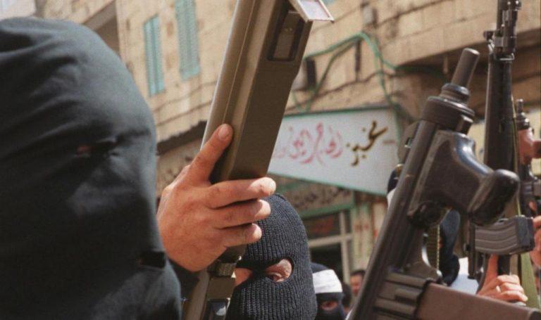 Διαβάστε στο onalert: Ντοκουμέντο με την εκπαίδευση παλαιστίνιων γυναικών στα όπλα | Newsit.gr