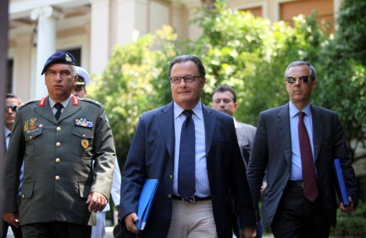 Εξαήμερη άδεια στους στρατιωτικούς έδωσε ο Παναγιωτόπουλος. Να ΄χαν και χρήματα… | Newsit.gr
