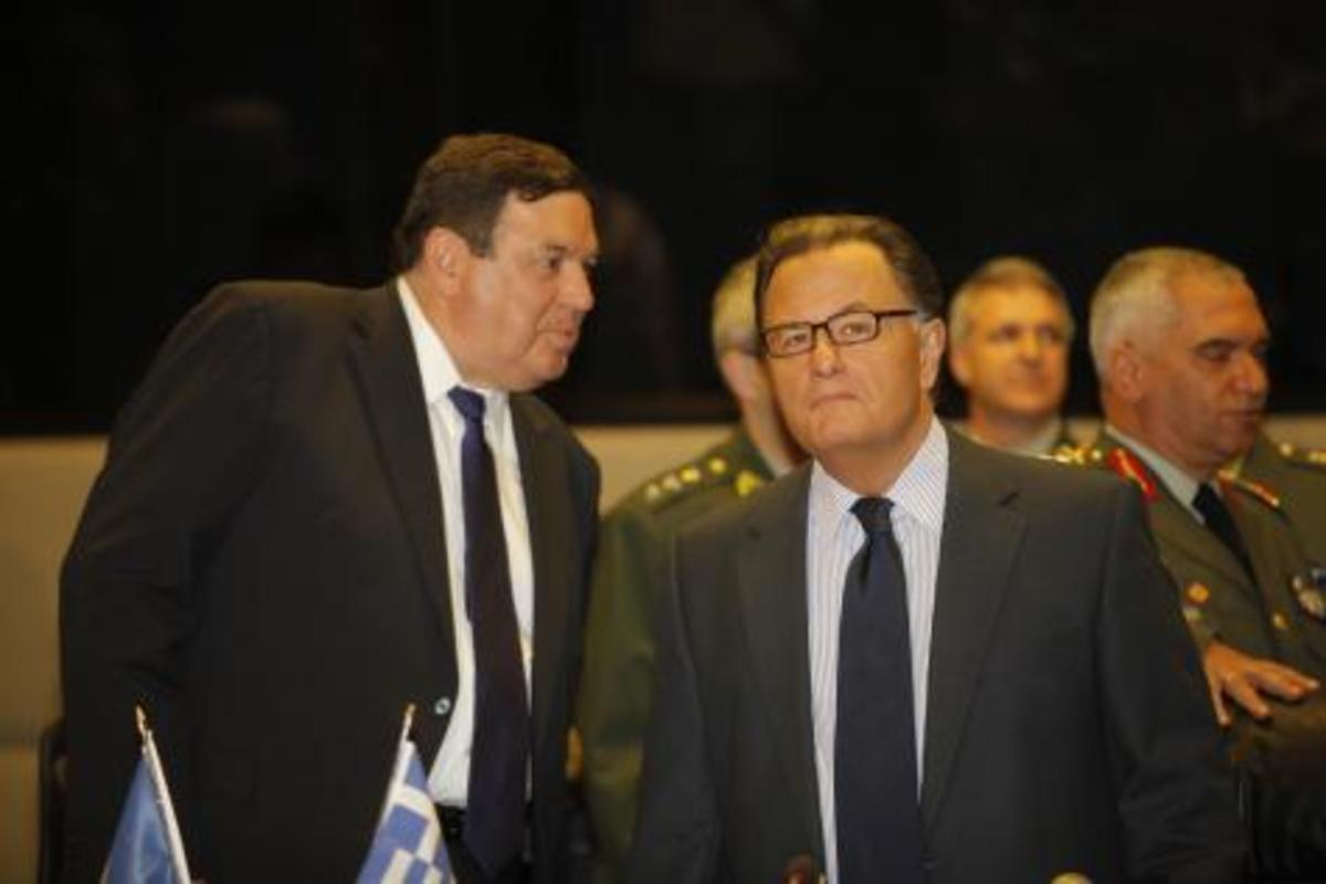 Η μάχη Παναγιωτόπουλου για τη μείωση του 12% και οι εφεδρείες που πρέπει να έχει | Newsit.gr