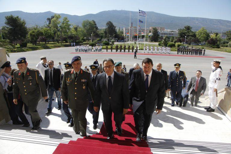 Οι «κόκκινες γραμμές» του ΥΕΘΑ που «μυρίζουν» παραίτηση – Ποιος Αρχηγός το σκέφτεται | Newsit.gr
