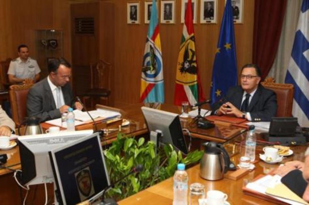 Δεν βρήκαν ούτε…ευρώ Σταϊκούρας-Παναγιωτόπουλος που ψάχνουν 500 εκ.! Τι θα γίνει με τους μισθούς | Newsit.gr