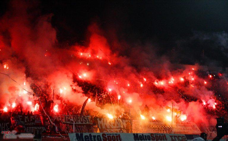 Οπαδοί του ΠΑΟΚ κράτησαν εγκλωβισμένους τους παίκτες του Ολυμπιακού | Newsit.gr