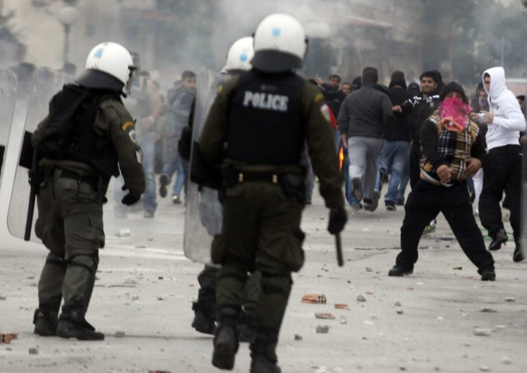 Πυροβόλησαν οπαδό του Παναθηναϊκού! – Σοβαρά επεισόδια στη Θήβα | Newsit.gr