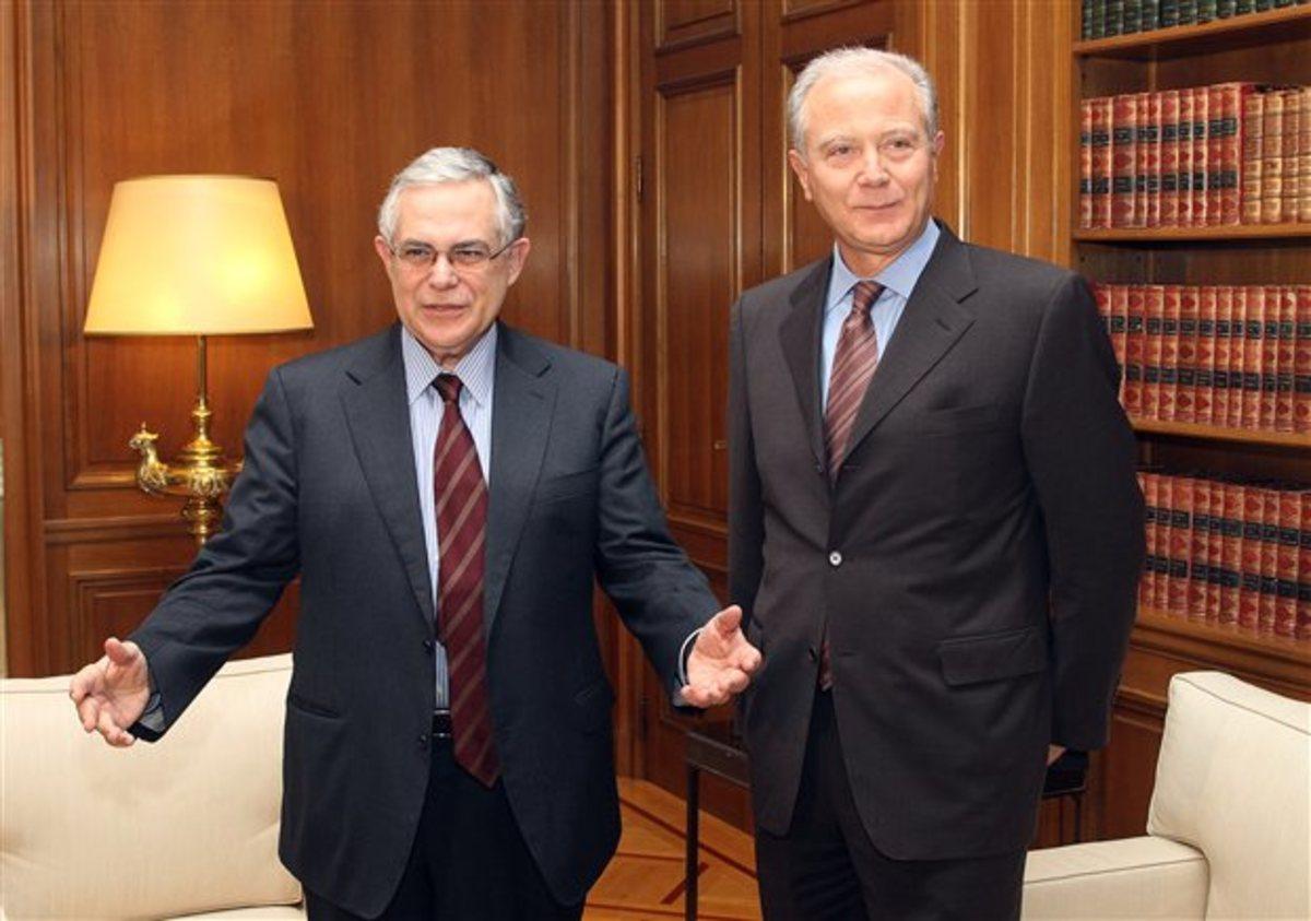 Ο Πρωθυπουργός με τον Διοικητή της Τράπεζας της Ελλάδος | Newsit.gr