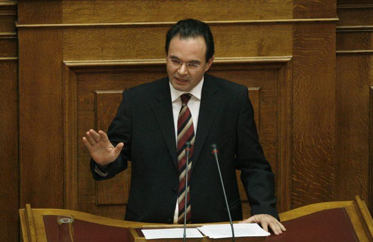 Ενημερώνει τη Βουλή γιά την προσφυγή στην «τρόικα»   Newsit.gr