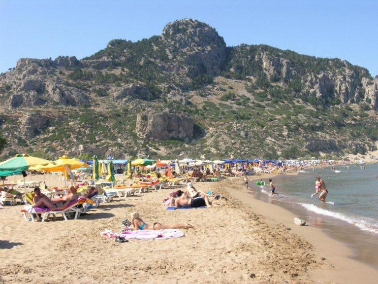Ρόδος: Με χειροπέδες δύο Κινέζες για μασάζ σε παραλίες | Newsit.gr