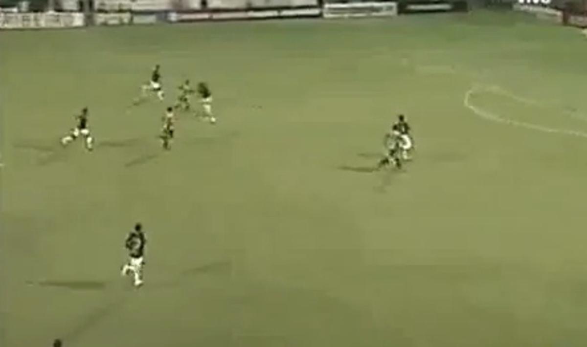 «Εκτέλεσε» τον τερματοφύλακα και «κρέμασε» την ομάδα του (VIDEO) | Newsit.gr