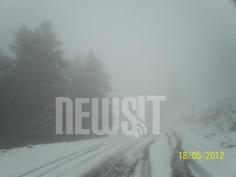 Χιονίζει στον Παρνασσό – ΦΩΤΟ | Newsit.gr